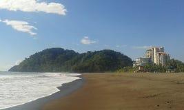Una playa tropical foto de archivo