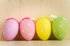 Una Polka Dot Easter Eggs di quattro pastelli Fotografia Stock Libera da Diritti