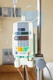 Una pompa per infusione automatica IV di goccia fotografia stock