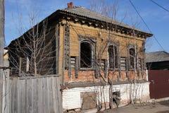 Una precedente casa di abitazione abbandonata nella regione di Zarajsk Mosca Fotografia Stock Libera da Diritti