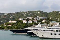 Una prua di quattro yacht Fotografia Stock Libera da Diritti