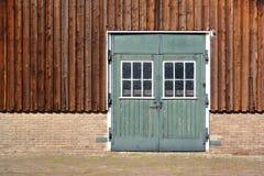 Una puerta de granero del vintage foto de archivo libre de regalías