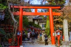 Una puerta de la capilla japonesa Fotos de archivo libres de regalías