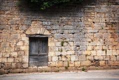 Una puerta de madera vieja Foto de archivo libre de regalías