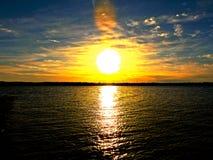 Una puesta del sol de Nueva Inglaterra foto de archivo libre de regalías