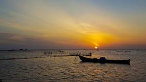 Una puesta del sol en el camino de Pannai imagen de archivo