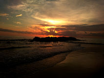 Una puesta del sol imponente Fotos de archivo