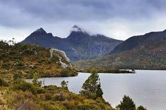 Una puesta del sol más cercana de la cuna de Tasmania Mt Fotos de archivo libres de regalías