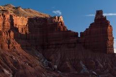Una puesta del sol suave en la roca de la chimenea en el parque nacional del filón del capitolio, Utah Imágenes de archivo libres de regalías