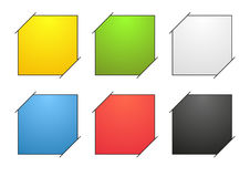 Una raccolta di 6 ha isolato le note in bianco variopinte con gli angoli attaccati illustrazione vettoriale