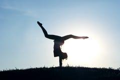 Una ragazza è un gymnast Fotografia Stock Libera da Diritti