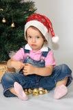 Una ragazza è in una protezione di nuovo-anno. Fotografia Stock Libera da Diritti