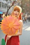 Una ragazza cinese celebra il nuovo anno cinese Fotografia Stock Libera da Diritti