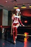 Una ragazza cinese vestita in costumi di Natale Immagine Stock Libera da Diritti