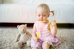 una ragazza di 2 anni Immagine Stock Libera da Diritti