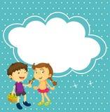 Una ragazza e un ragazzo con un callout vuoto Fotografie Stock Libere da Diritti