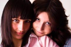Una ragazza felice di due amici Fotografia Stock Libera da Diritti