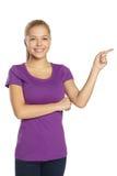 Una ragazza sta stando e sorridendo Fotografia Stock Libera da Diritti