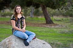 Una ragazza teenager abbastanza multiculturale di 15 Immagine Stock
