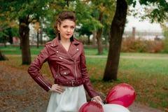 Una ragazza in un Kurta di cuoio Fotografie Stock Libere da Diritti