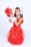 Una ragazza yoing con sorridere del regalo di Natale Immagini Stock Libere da Diritti