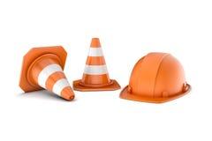 Una rappresentazione di due ha barrato i coni ed il casco della strada, interamente isolati su fondo bianco Fotografia Stock Libera da Diritti