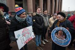 Una reunión de la protesta contra la transferencia del ` s Cathedr del St Isaac Imagenes de archivo