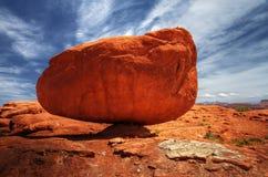 Una roca equilibrada Imágenes de archivo libres de regalías