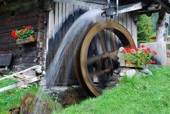Una rueda de agua Imágenes de archivo libres de regalías