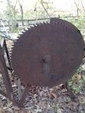 Una rueda negra marrón de acero Imagen de archivo