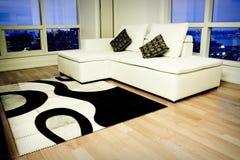 Una sala de estar moderna Imagen de archivo libre de regalías