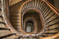 Una scala a chiocciola di legno Fotografia Stock