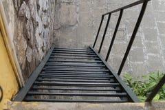 Una scala d'acciaio Immagini Stock