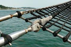 Una scala di corda marina della goletta Fotografia Stock Libera da Diritti