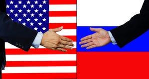 Una scossa dell'uomo di affari mano, U.S.A. e la Russia Fotografia Stock