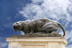 Una scultura bronze feroce della tigre al palazzo di Mysore Immagini Stock