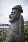 Scultura di pietra in spiaggia del nord di Vancouver Fotografia Stock