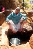 Una señora mayor de Mahabaleshwar, Maharshtra Imagenes de archivo