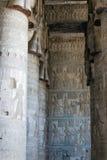 Una serie di colonne nel tempio Fotografia Stock