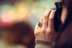 Una signora nella chiamata Fotografia Stock