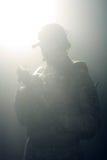 Una silueta de un soldado Imágenes de archivo libres de regalías