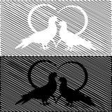 Una siluetta monocromatica di due colombe e di un cuore. Va Immagini Stock