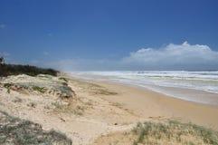 Una spiaggia da 75 miglia sull'isola di Fraser Immagini Stock Libere da Diritti
