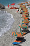 Una spiaggia del Riviera italiano Fotografia Stock Libera da Diritti