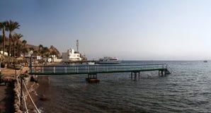 Una spiaggia sul Mar Rosso Fotografie Stock Libere da Diritti