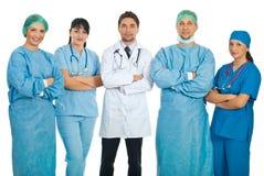 Una squadra di cinque medici Fotografia Stock