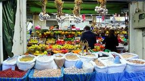 Una stalla Mercado del mercato fa Bolhao a Oporto immagini stock libere da diritti