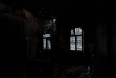 In una stanza nera nera Fotografia Stock