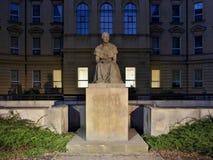 Una statua dello scrittore ceco famoso Bozena Nemcova Fotografia Stock