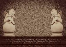 Una statua di due angeli Fotografia Stock